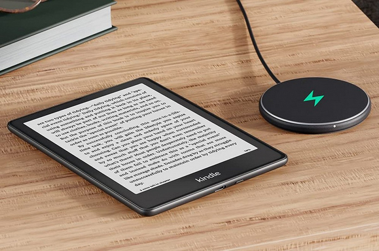 6.8-inch screen, 70 days of battery life and wireless charging.  Amazon unveils new e-books Kindle Paperwhite and Paperwhite Signature Edition