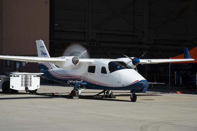 14 electric motors and a cruising range of 160 km.  NASA's X-57 Maxwell electric aircraft prepares for its maiden flight