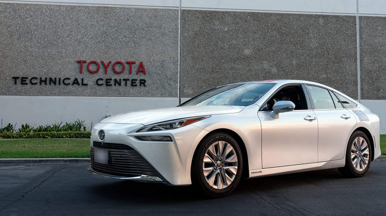 Electric cars never dreamed of such autonomy.  Toyota Mirai drove 1360 km at one gas station